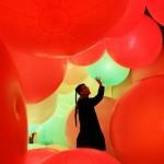 テクノロジーアート展 チームラボのカラフル球体