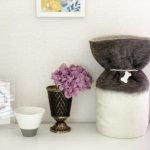 ペットの「ふわもこ骨壷カバー」オーダー例 表:ダークグレー、ホワイト 裏:ホワイトブラウン